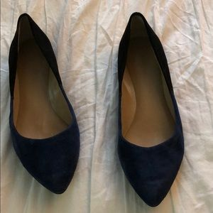 Gorgeous blue and black suede flats size 5.5. BR